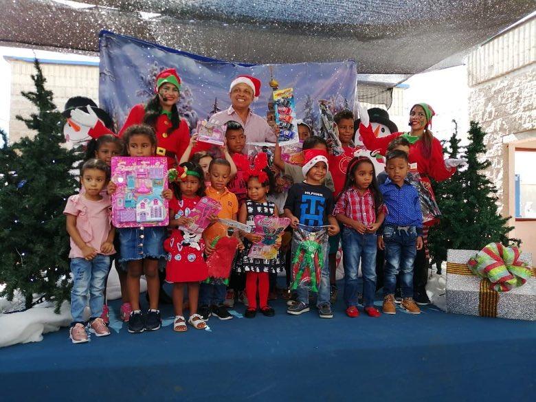 COMFAGUAJIRA RECIBE MAS DE 6.000 SONRISAS DE LOS  NIÑOS BENEFICIARIOS  EN LAS CATEGORIAS A Y B,  CON LA ENTREGA DE REGALOS, ALEGRIA,  VILLANCICOS Y TRADICIONES, EN EL EVENTO  NAVIDAD  EN FAMILIA.